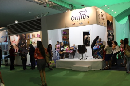 BEAUTY-FASHION-FAIR-GRIFFUS