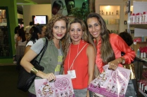 BEAUTY-FASHION-FAIR-FINGRS
